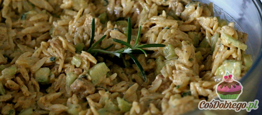 Przepis na Sałatkę z makaronem ryżowym i kurczakiem