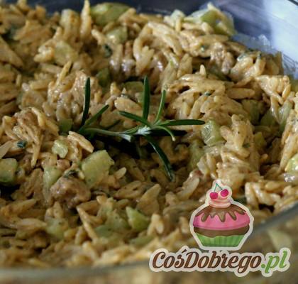 Salatka Z Makaronem Ryzowy I Kurczakiem 08