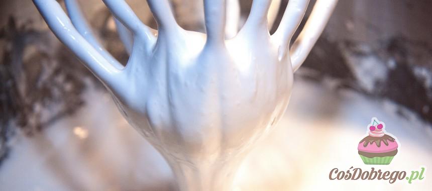 Co zrobić, aby piana z białek nie opadła podczas pieczenia? – porada