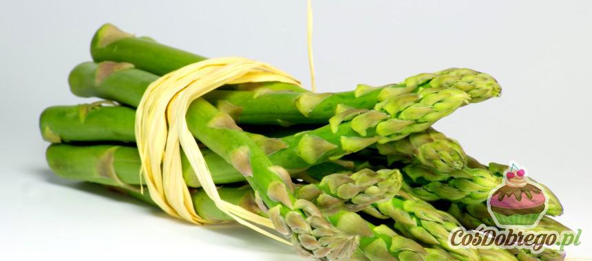 Czym różnią się zielone szparagi od białych?