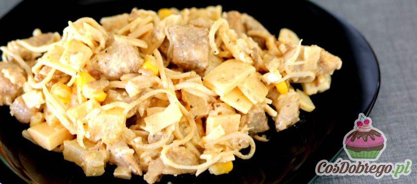 Przepis na Sałatkę z kurczakiem i ananasem
