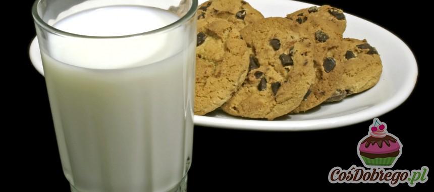W jakich naczyniach przechowywać mleko? – Porada