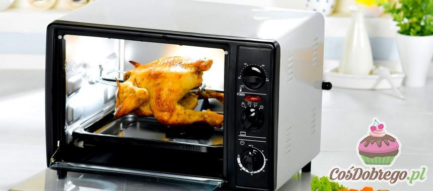 Jak czyścić kuchenkę mikrofalową? – Porada