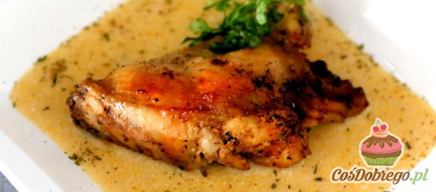 Przepis na Pieczone udka z kurczaka w sosie chrzanowo – śmietanowym