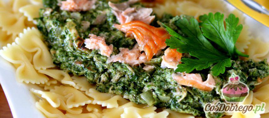 Przepis na Makaronowe kokardki z wędzonym łososiem i szpinakiem