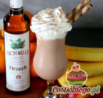 Shake Bananowy Z Syropem Orzechowym 03