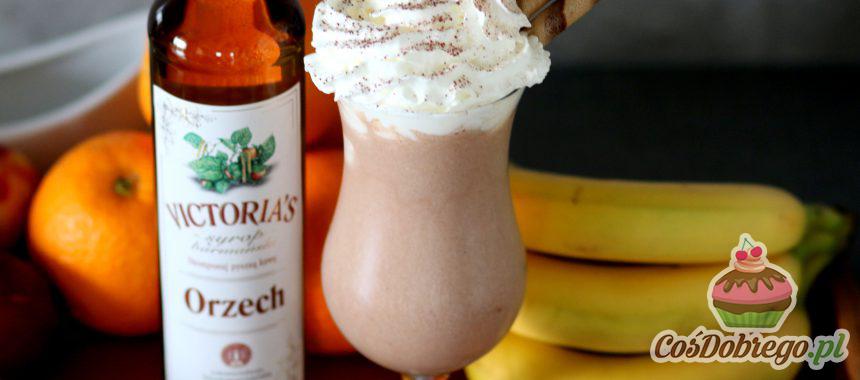Przepis na Bananowego shake'a z syropem orzechowym