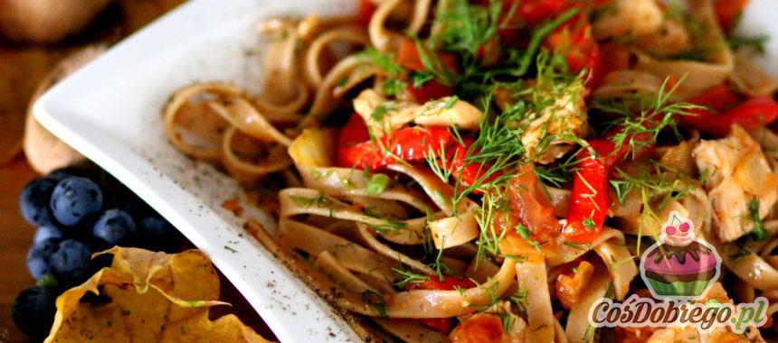Przepis na Makaron tagliatelle z warzywami i kurczakiem