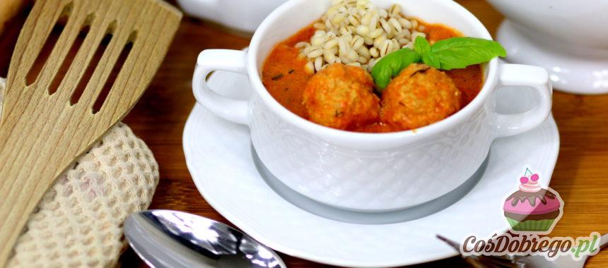 Przepis na Drobiowe pulpety w pomidorowo-jogurtowym sosie