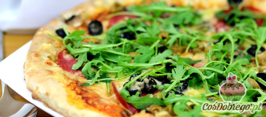 Przepis na Pizzę z mozzarellą i rukolą