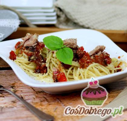 Spaghetti Z Tunczykiem W Sosie Pomidorowym 01