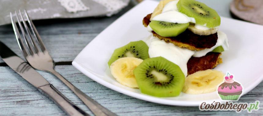 Przepis na Placki owsiane z jogurtem i owocami